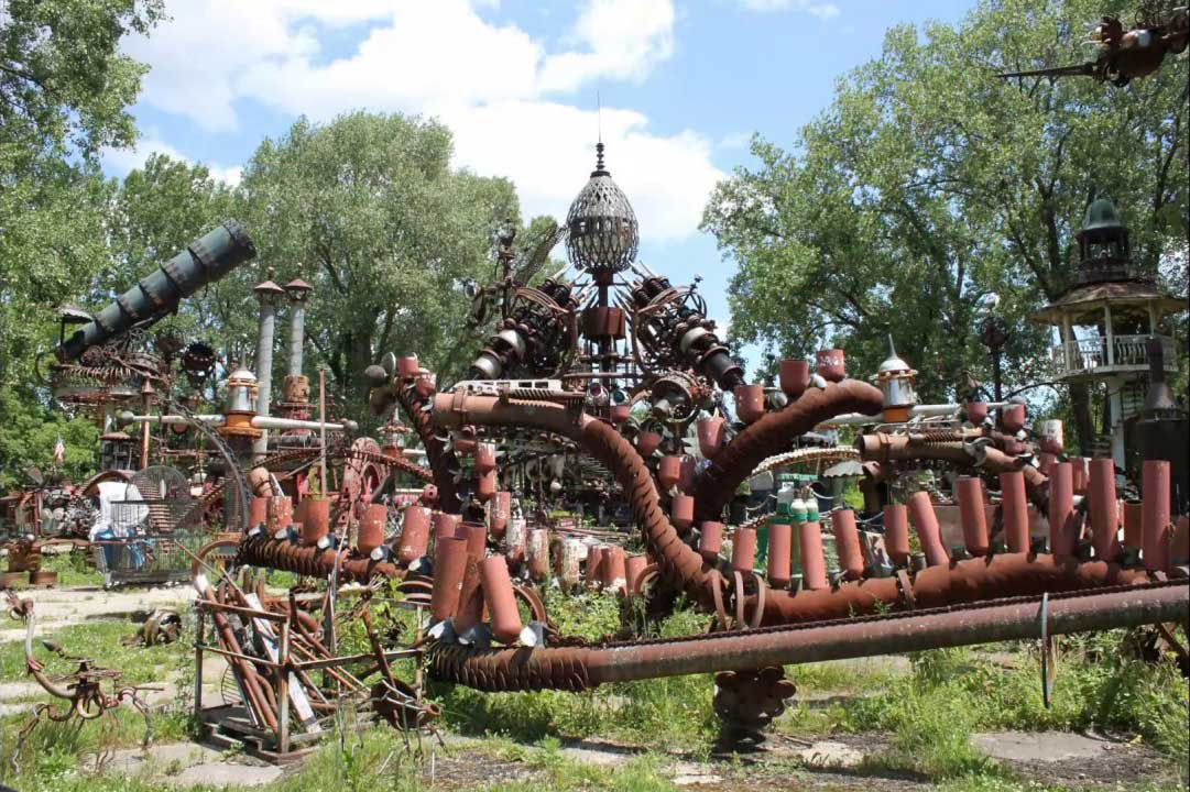 Forevertron Steampunk spaceship